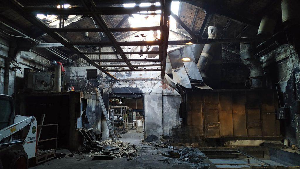 Recuperació de nau sinistrada per incendi, Pintados Especiales, S.L.