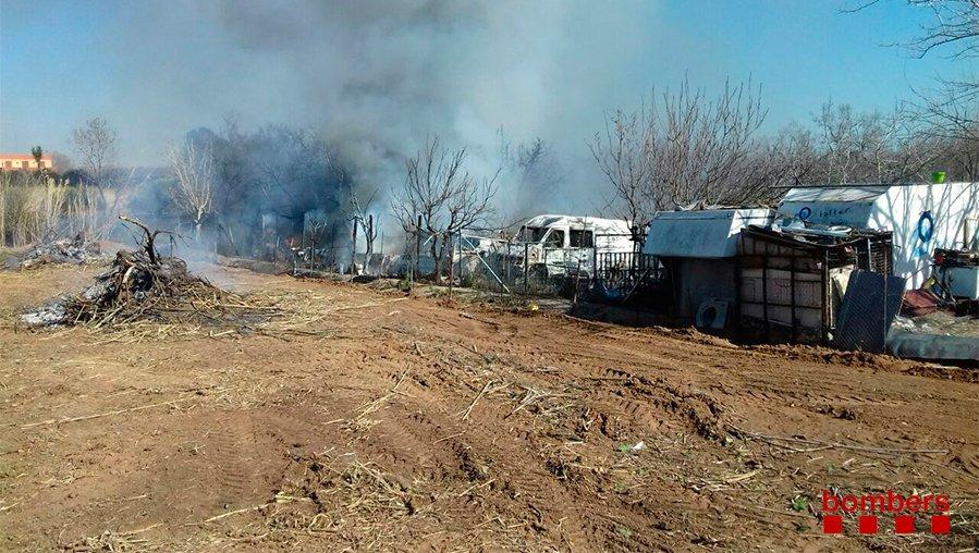 Incendi a una parcel·la de Constanti