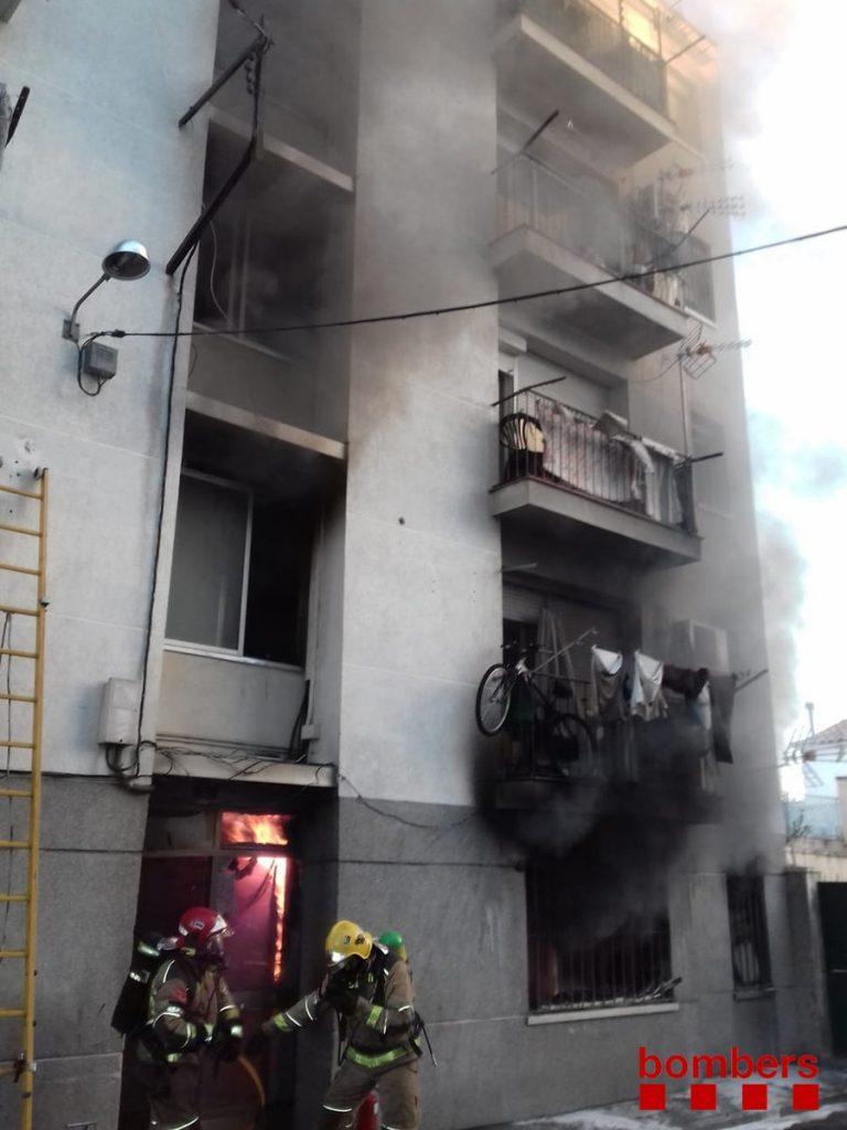 Incendi en un habitatge de Figueres