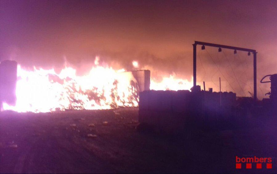 Extingit un incendi a Lliçà de Vall